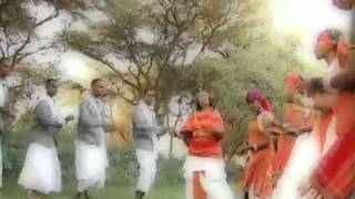 HATSHEPSUT'S SONG&DANCE BY  HER SOMALI FAMILY IN THE  LAND OF PUNT