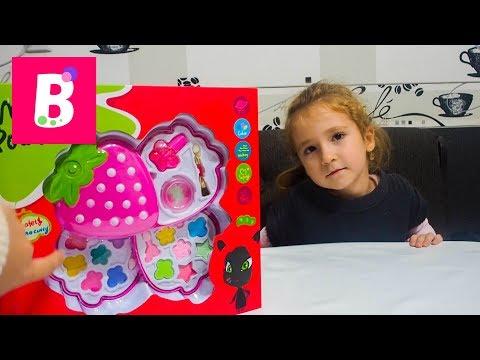 Capsunica Machiaj Pentru Copii Unboxing My Powder Box Bianca Kids Show
