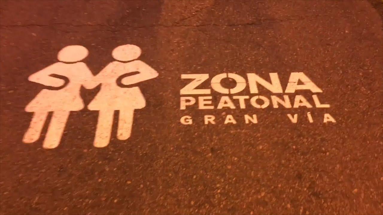 La calle más emblemática de Madrid es tomada por peatones y turistas