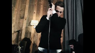 Loic Nottet   Go To Sleep (acoustic, Live, 31.1.`18)