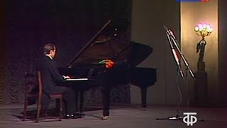 Mikhail Pletnev plays Tchaikovsky Nocturne op. 19 no. 4 - video 1986