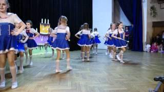 preview picture of video 'Mażoretki Seniorita - grupa przedszkolna 22.04.2012r.'