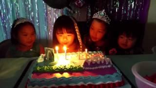 Frozen Birthday Party, Kids Singing Happy Birthday!