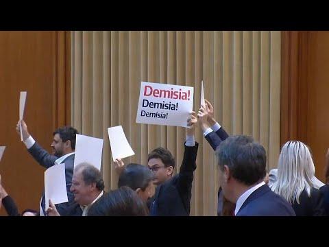 Ρουμανία: Επιβίωσε της πρότασης μομφής η κυβέρνηση