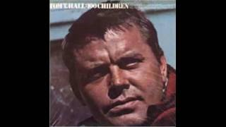Tom T. Hall - Mama Bake A Pie (Daddy Kill A Chicken) 1970 HQ