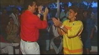 preview picture of video 'Luis Carlos Galán Bailando'