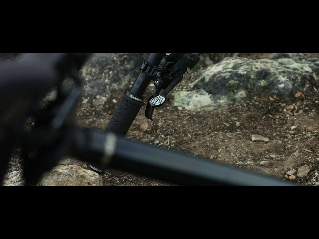 Видео Подседельный штырь RockShox Reverb Stealth Plunger Remote ø 31.6