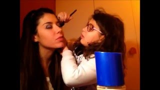 La Mia Sorellina Mi Trucca! Little Sister Does My Makeup!