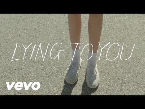 Música Lying To You