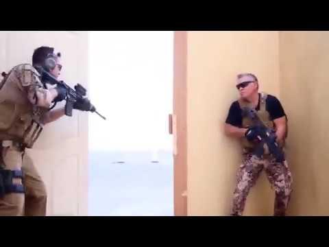 فيديو للملك عبد الله ونجله يكتسح الشبكة العنكبوتية