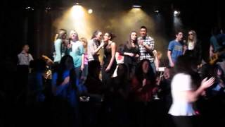 "Laval High Schoo Musical 2013 Last song ""Hold on Tight to your Dreams"""
