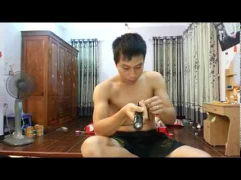 Thanh niên cứng lấy thân mình review dùi cui điện