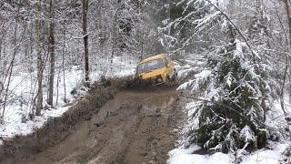 Первая весенняя грязь!!! Стоковая НИВА на лесовозной дороге!!! Off-Road