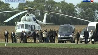 Перед совещанием по уборке урожая Путин пообедал в поле