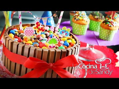 Torta de Cumpleaños de m&m y KitKat en recetas faciles para niños