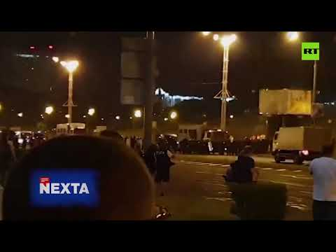 GRAPHIC | Police van drives into crowd of Minsk protesters