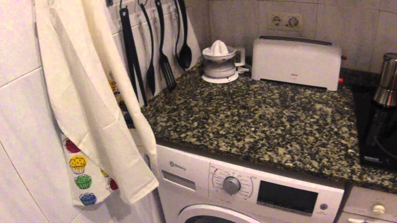 2 Rooms for rent in colorful student apartment