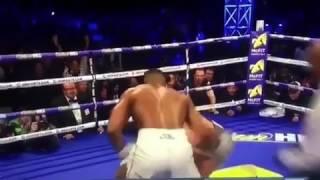 Победный удар Джошуа в бое с Кличко