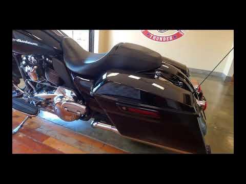 2018 Harley-Davidson Road Glide Base