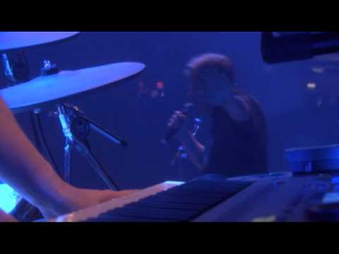 New Order - Bizarre Love Triangle [Live in Glasgow]