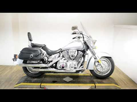 2008 Honda VTX®1300T in Wauconda, Illinois - Video 1