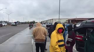 Thousands brave weather to vote early in Oklahoma