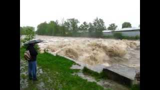 preview picture of video 'Povodně Frýdek-Místek 17.5.2010 - Sviadnov'