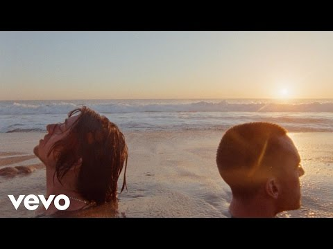 The Last Shadow Puppets - Everything You've Come To Expect (Official Video)
