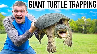 CATCHING GIGANTIC SNAPPING TURTLES! (35 Pounds)