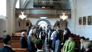 preview picture of video 'Einzug in Kirche mit Nadja'