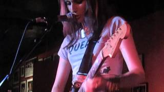 Speedy Ortiz - Dot X (Execution Van) (Live @ 100 Club, London, 16/08/14)