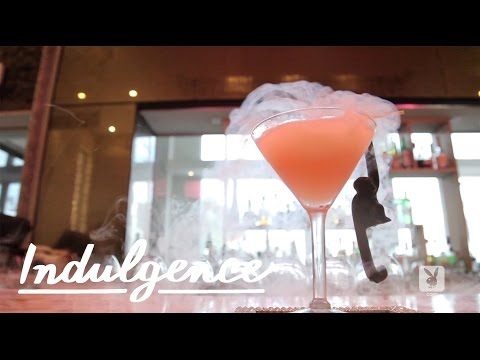 Video A Dry Ice Vodka Cocktail - The Sabrinatini