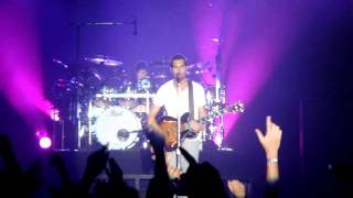 311 - Count Me In (Live Premiere) Philly 7-26-11