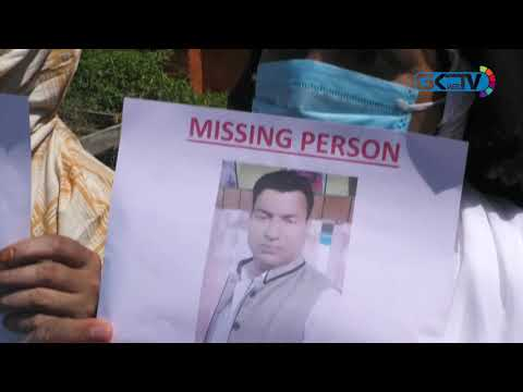 Family members of Fateh Kadal resident hold protest, demand his whereabouts