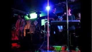 preview picture of video 'Shanaroid u živo! Flash club Trbovlje 2012.wmv'