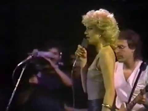 Download CORBEAU EN SCENE - Corbeau live à Montréal - 1982 HD Mp4 3GP Video and MP3