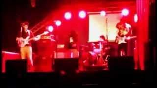 Coronados de hambre - Love will tear us apart (Joy division)