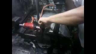 preview picture of video 'transformer un étau mécanique à un étau hydraulique2_rachid charchaf'