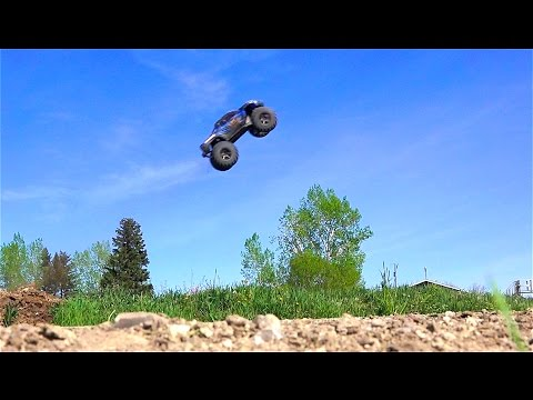RC ADVENTURES - Traxxas X-Maxx Gets Air Time - 6s Lipo, Electric Power 4x4 Monster Truck