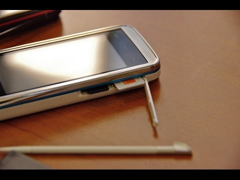 Nokia 5530 не включается, вибрирует, разборка(It does not turn, vibrate, disassembly)