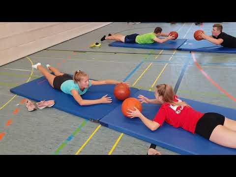 Kraft- und Koordinationstraining mit Ball und Matte