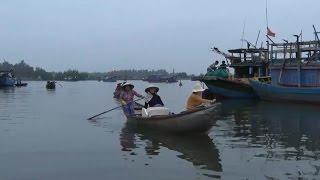 Tin Tức 24h: Những phụ nữ mưu sinh bên gành biển Quảng Ngãi