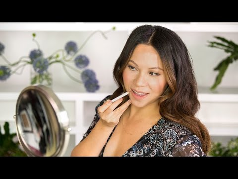 How to Apply Lip Liner for Beginners