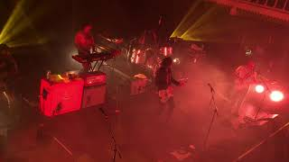 Sticky Fingers - Everybody's Talkin' Bout It feat. True Vibenation (Live at the The Paradiso)