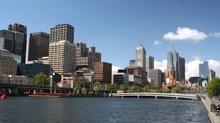 preview picture of video 'Melbourne -10 Things You Need To Know - Hostelworld Video'