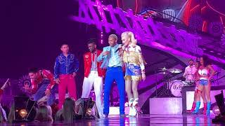 Gwen Stefani - Audience Interaction + Just A Girl (03.13.2019)