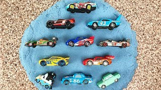Cars 3 Racers Lightning McQueen Sand Puzzle - Тачки 3 пазлы - Video for kids Toys