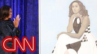 See Michelle Obama's portrait unveiled | Kholo.pk