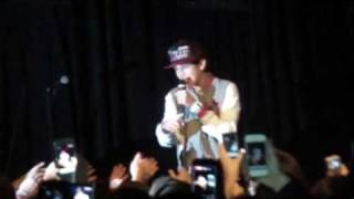 Austin Mahone - One Less Lonely Girl - LIVE