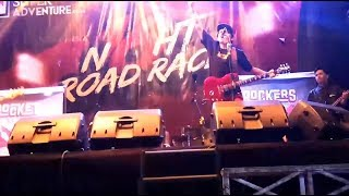 Aksi Panggung Band Rocket Rockers Nan Memukau di Acara Super Adventure Night Road Race Bandung